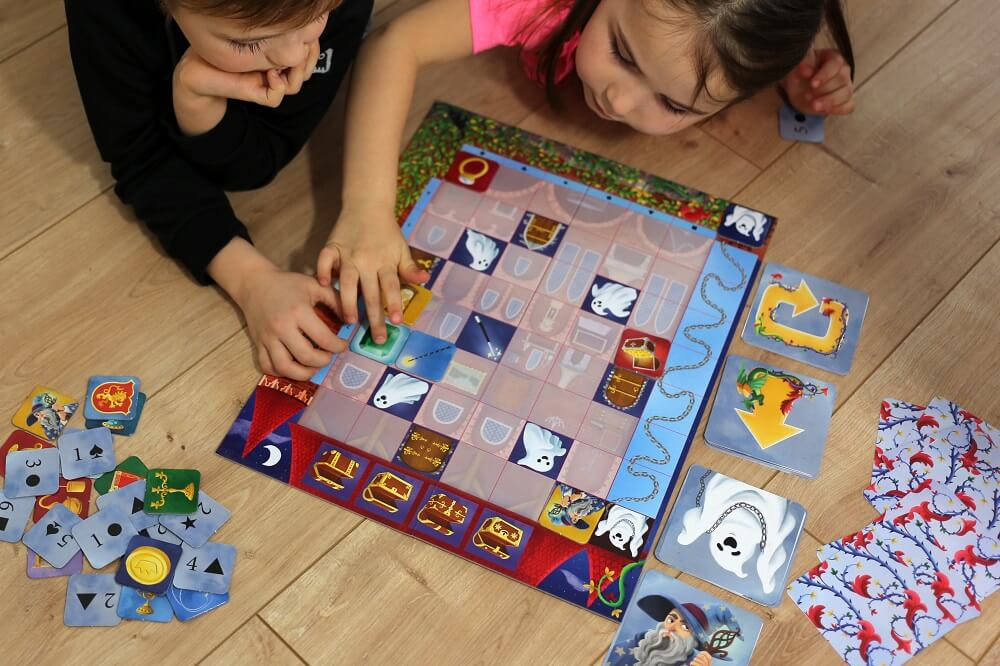 Coded Castle. Coding game. Captain Smart - game for 4+ year old kids