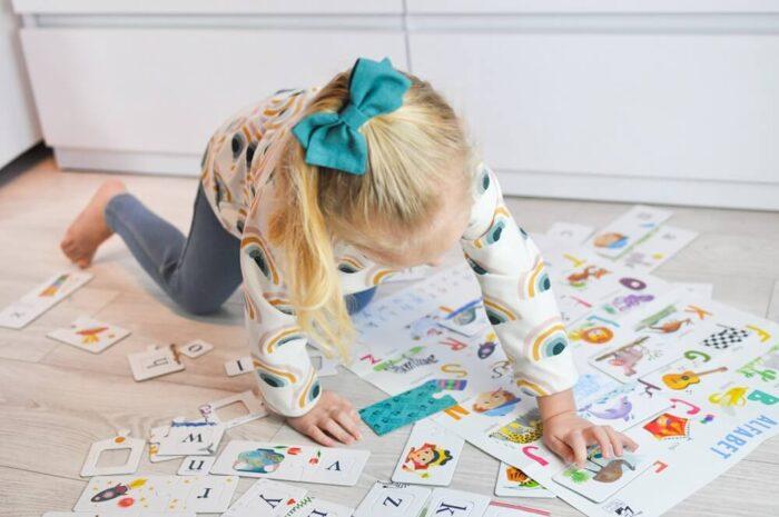 English Alphabet. Educational game. Captain Smart - learning toy