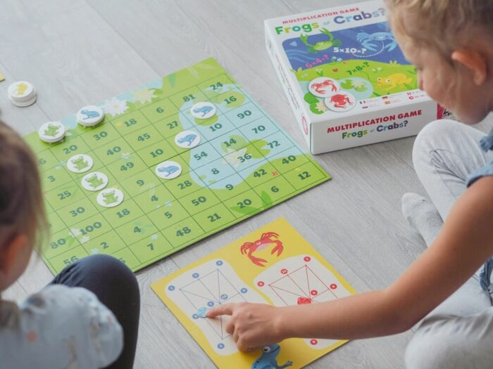 Frogs or Crabs? Multiplication Game. Captain Smart - family board game