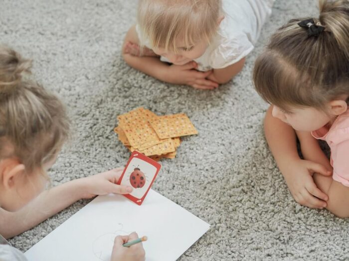 Fun Charades. Family game. Captain Smart - game for 3+ year old kids