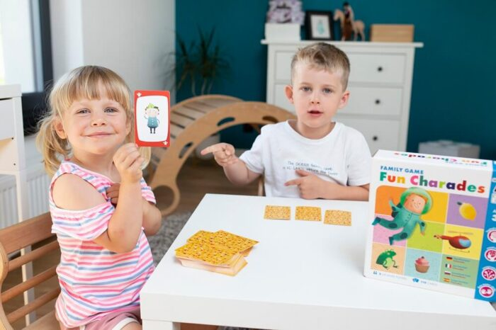 Fun Charades. Family game. Captain Smart - family board game for 3+ year old kids