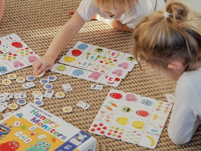 Hungry Monsters. Counting Game. Captain Smart - game for 3+ year old kids