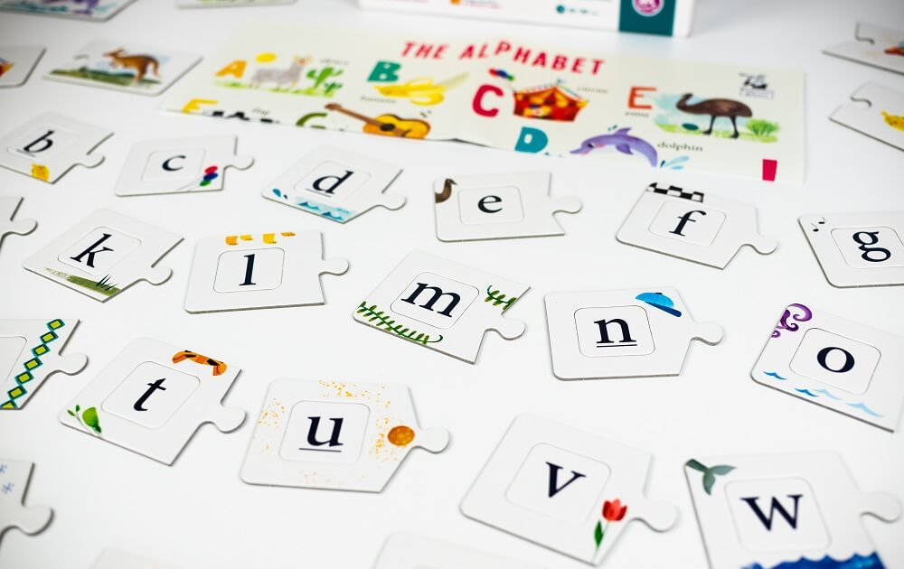English Alphabet. Educational game. Captain Smart - game for kids